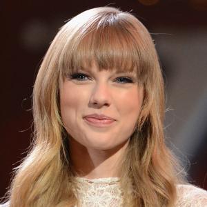 Taylor swift handjob